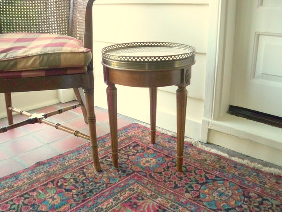 Vintage round marble gallery table.  Bedside table.  Coffee table.