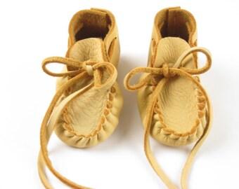 Baby Moccasins in Deer Hide Leather, Preemie Newborn Shoes, Infant Deerskin Booties, Toddler Buckskin Mocs, Baby Shower Gift, made USA
