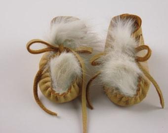 Baby Moccasins, Newborn Deer Hide Booties, Golden Tan Buckskin, White Rabbit Fur Mocs, 1st. Birthday, Baby Shower Gift, made in America