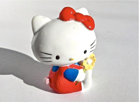 1983 vintage Hello Kitty plastic toy figurine/cake topper