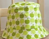 GIrl's Bucket Hat reversible-Green Apples-pink reversed side with hand sewn applique, 2 to 3 years, Ready to Ship