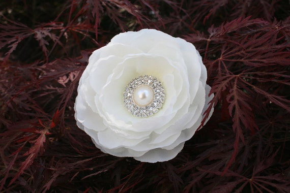 Diamond White Flower Hair Clip or Comb for a Bride with Pearls and Rhinestones..Wedding Hair Flower In Diamond White