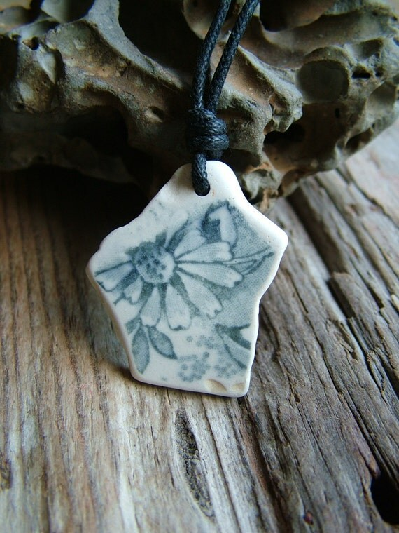 Floral Beach Pottery Necklace