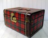 Reserved for CarolAnnGags - Retro Plaid Wood Train Case - Vintage Travel Carry On - Classic Tote - BoHo Handbag
