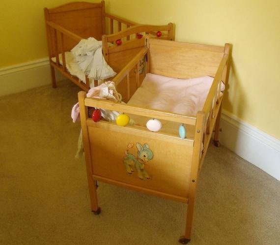 Vintage Doll Beds 46