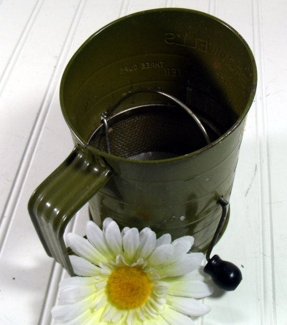 Avocado Green Metal Sifter - Vintage Bromwell's Measuring Sifter - Shabby Chic BoHo Bistro