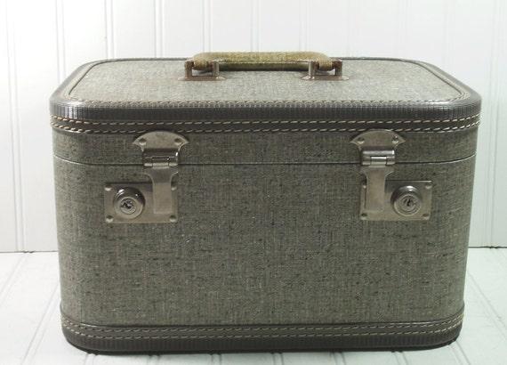 Retro Grey Tweed Train Case - Vintage Travel Carry On