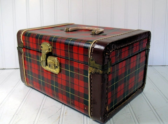Reserved for CarolAnnGags - Retro Plaid Wood Train Case - Vintage Travel Carry On - Classic Tote - BoHo Handbag