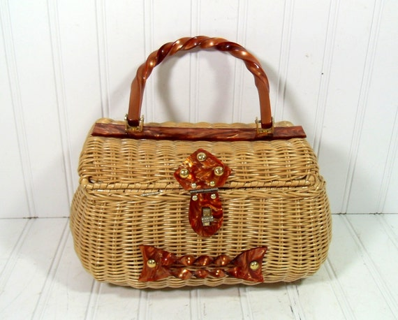 Mid Century Wicker HandBag - Vintage Hand Woven with Lucite Accents - BoHo Hippie Carry All