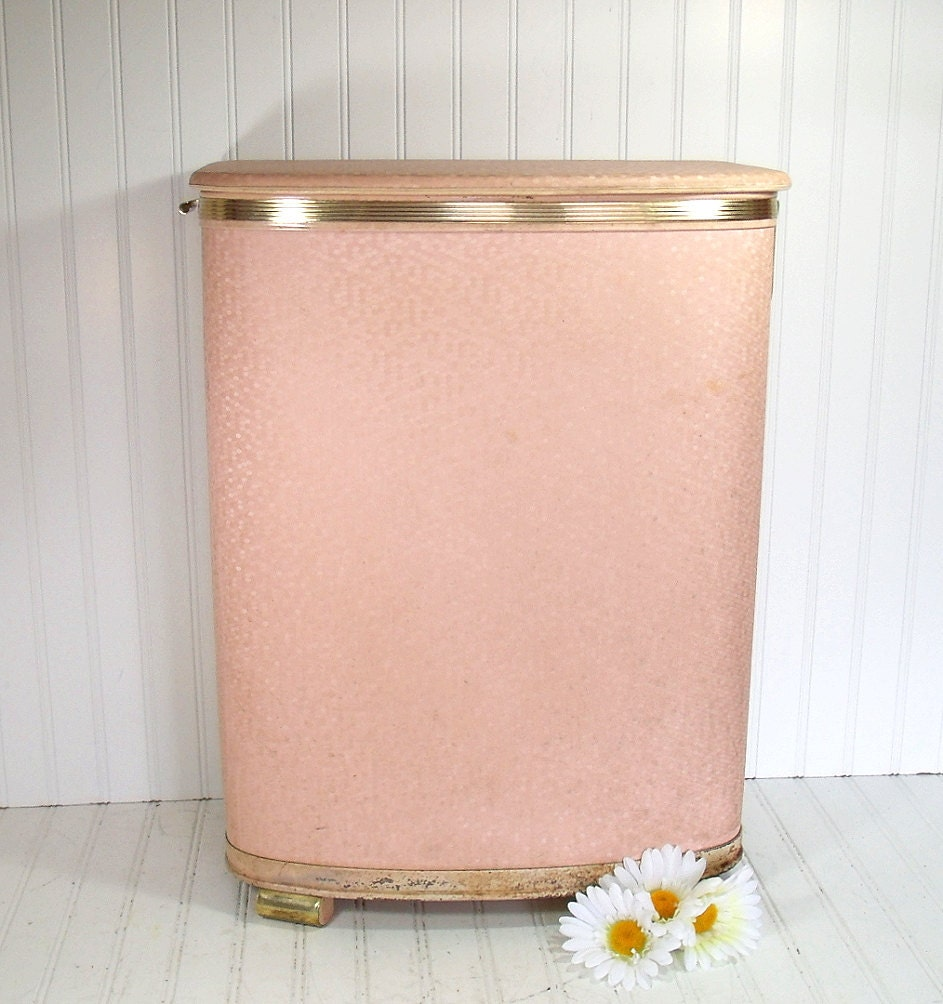 Large Pink Wicker Clothes Hamper Vintage Pearl Wick