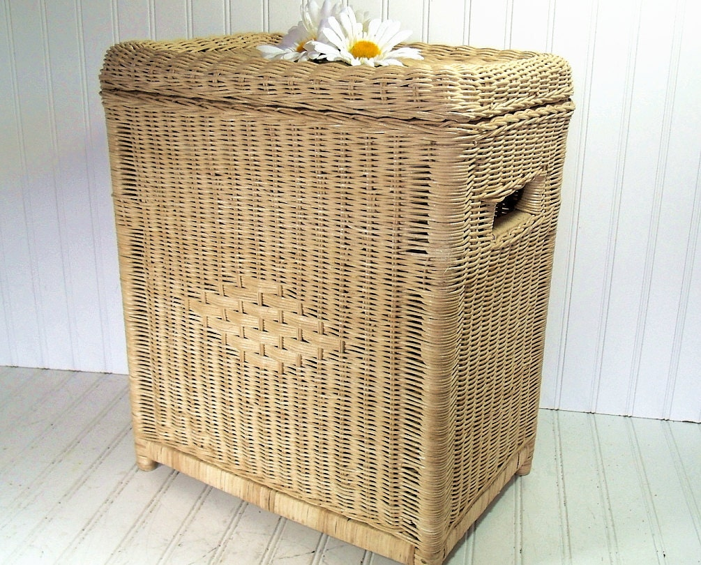 Natural Wicker Clothes Laundry Bin Vintage Bench Hamper