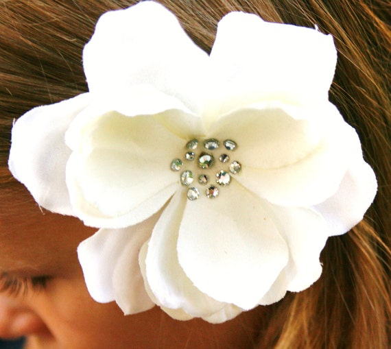 Ivory Hair clip - Ivory Magnolia Flower Hair clip - swarovski crystals - bride