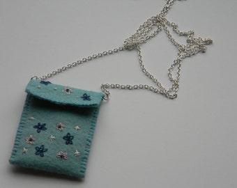 felt pocket necklace