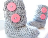 Crochet Baby Booties with Double Button