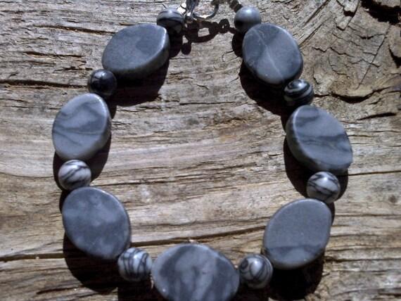 zebra and black silk stone bracelet 8 1/2 inch