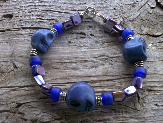 skulls,mother of pearl,crow beads bracelet 8 inches
