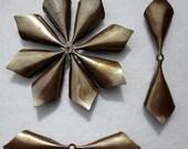 6 pcs 3 5/16 inch VINTAGE Petal/Leaf Brass Metal Finding 407