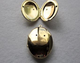 "1 pc 1.5""  x 1""  VINTAGE Metal Brass Locket 323"