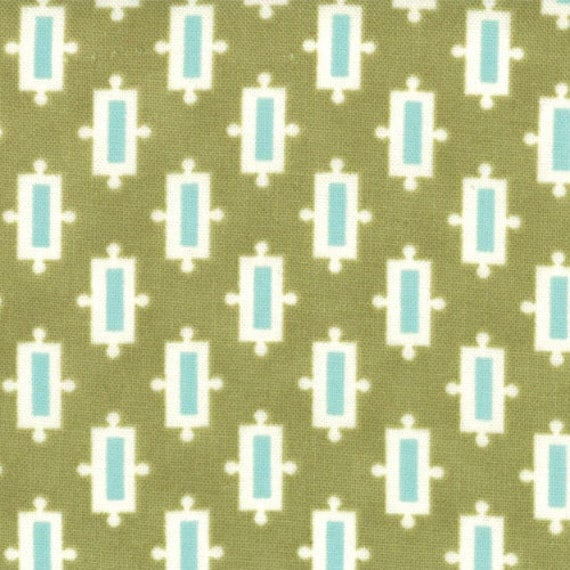 Vintage Modern by Bonnie and Camille for Moda - Snickerdoodle in Pear - Fat Quarter