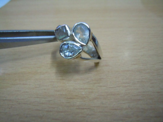 gorgeous3 stone  sterling silver ring with beautiful labradorite rainbow moonstone white c z very beautiful size 7 us