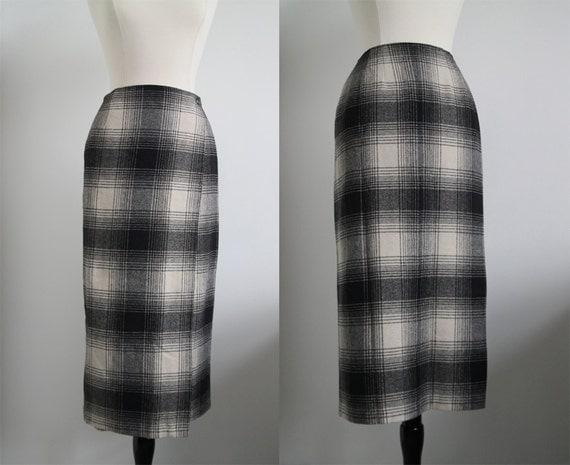 Vintage 70s Plaid Wrap-around Pencil Cut skirt Size 8