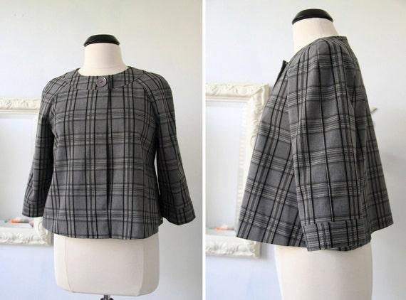 Vintage 80s Cropped Plaid Grey Cape Jacket Size M