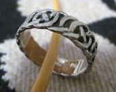 Vintage 80's Sterling Silver Ring Celtic loveknot design size 7 wedding band