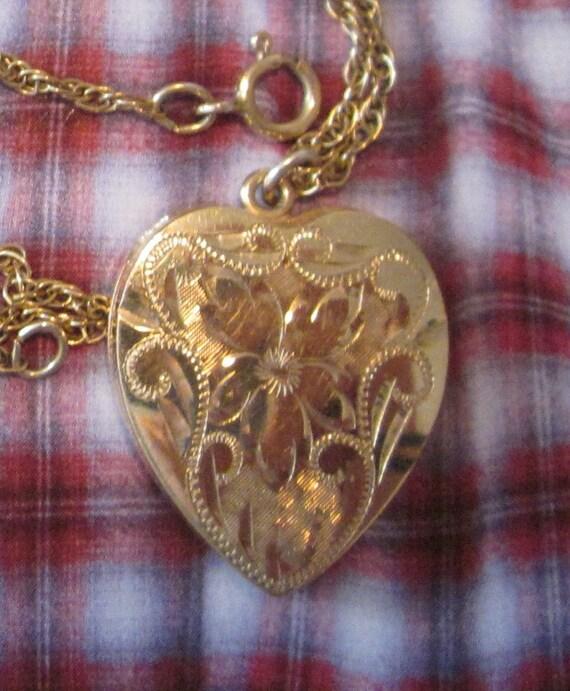 vintage 14K GF engraved Gold Sweetheart Pendant Locket necklace
