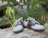 Stride Rite Saddle Shoes size 6 1/2B
