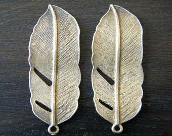 10 x Antiqued Bronze Natural Feather Charms
