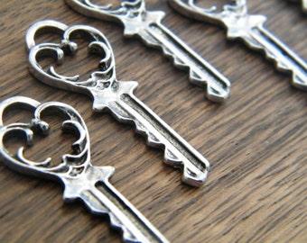Eliot - Skeleton Keys - 10 x Antique Silver Fancy Key Vintage Skeleton Keys