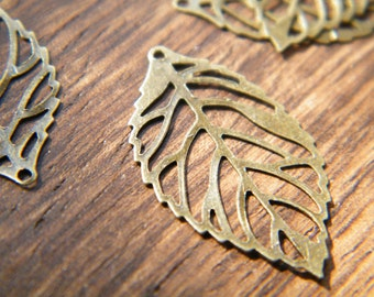 20 x Antiqued Bronze Leaves Vintage Filigree Brass Thin Leaf Pendants 23.5x14mm