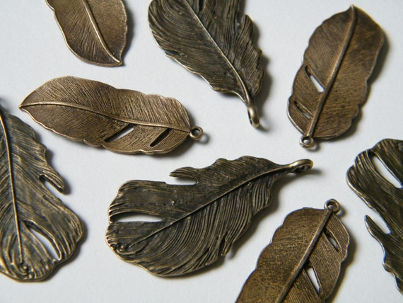 8 x Antique Brass Feathers Pendant Bronze Natural Feather Charms (4 of each)