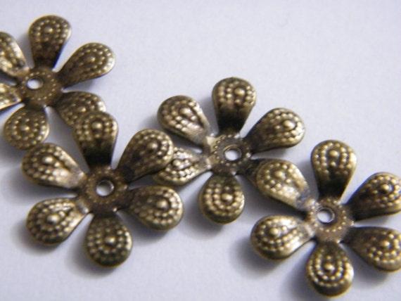 20 x Antique Brass Bead Caps Bronze Flower Beadcaps 16mm