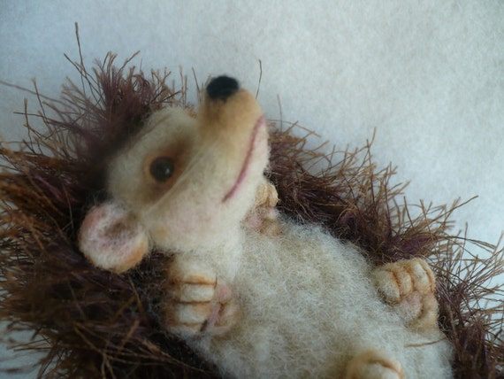 Needle felted Hedgehog, Collectible, OOAK by Grannancan