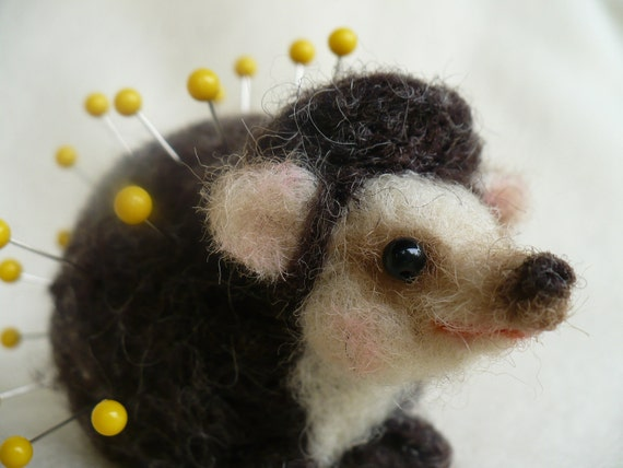 Needle felted Hedgehog, Pincushion, OOAK by grannancan