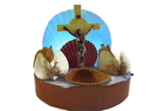 1950s chalkware shrine art crucifix rosary seashell light