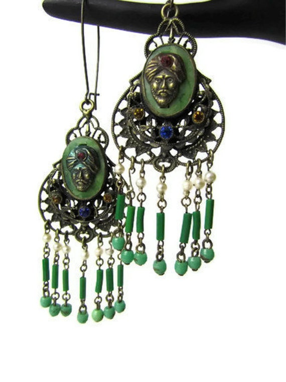 Reserved for arskyrm till 1/12/13 sideshow fortune teller cameo earrings - look if you dare......