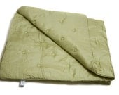 Habotai silk baby welcome blanket / quilt (pistachio green)
