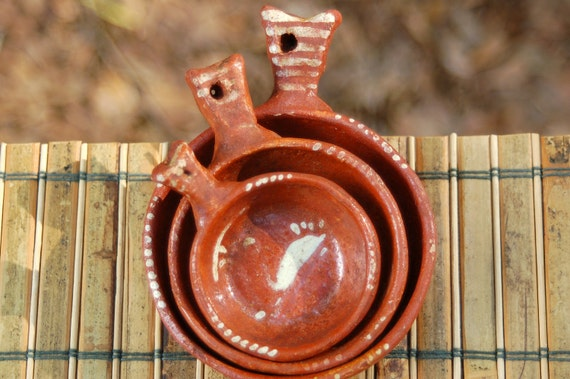 Mexican Red Clay Nesting dishes. Set of three. Folk art.