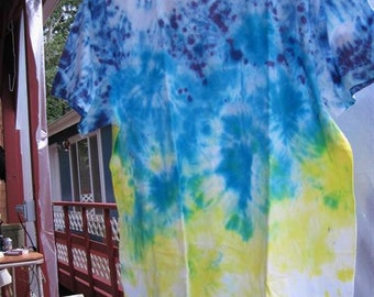 "Tiedye ""Graduating"" T-shirt...size LG (42/44)...63..blues and yellows"