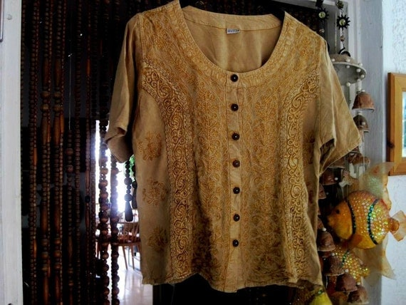 80's Embroidered Buttoned-Up Mustard Shaded Shirt - Medium to Large