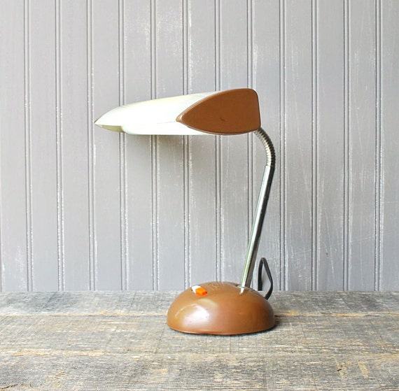 RESERVED for Sung Yi Feng Jet Age desk lamp, circa 1960