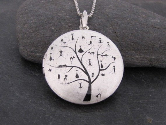 Cats meeting on a tree - Silver plated Locket