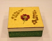 Red Verbena decorated square box