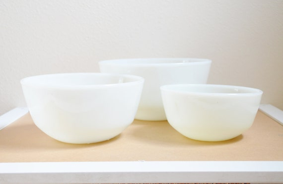 Fire King Nesting Bowls - White Straight Sided Glass Mixing - Set of Three - Stamped Anchor Hocking (Reserved for Mary)