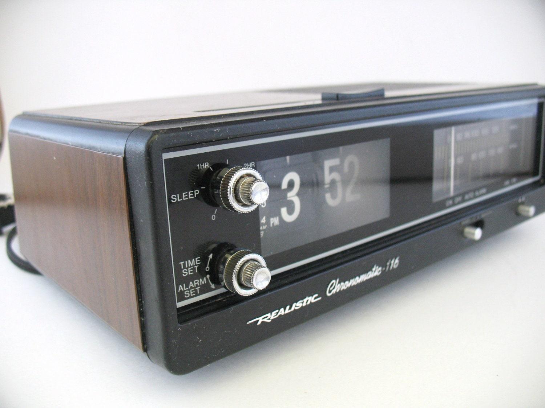 Retro Flip Alarm Clock Radio Realistic Chronomatic 116