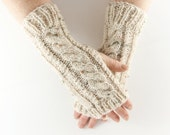 Cream & Beige Fleck Aran Arm Warmer Gloves with Cable Design. Natural Neutral Minimal