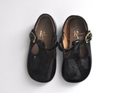 Vintage Black Patent Mary Janes (toddler size 3)