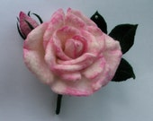Felt brooch Rose of the Wales